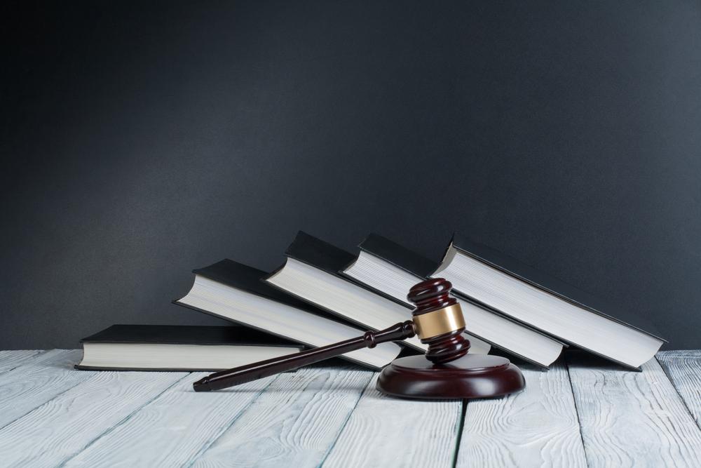 コンテナハウスをめぐる法律│違法建築を問われないための建築基準法など